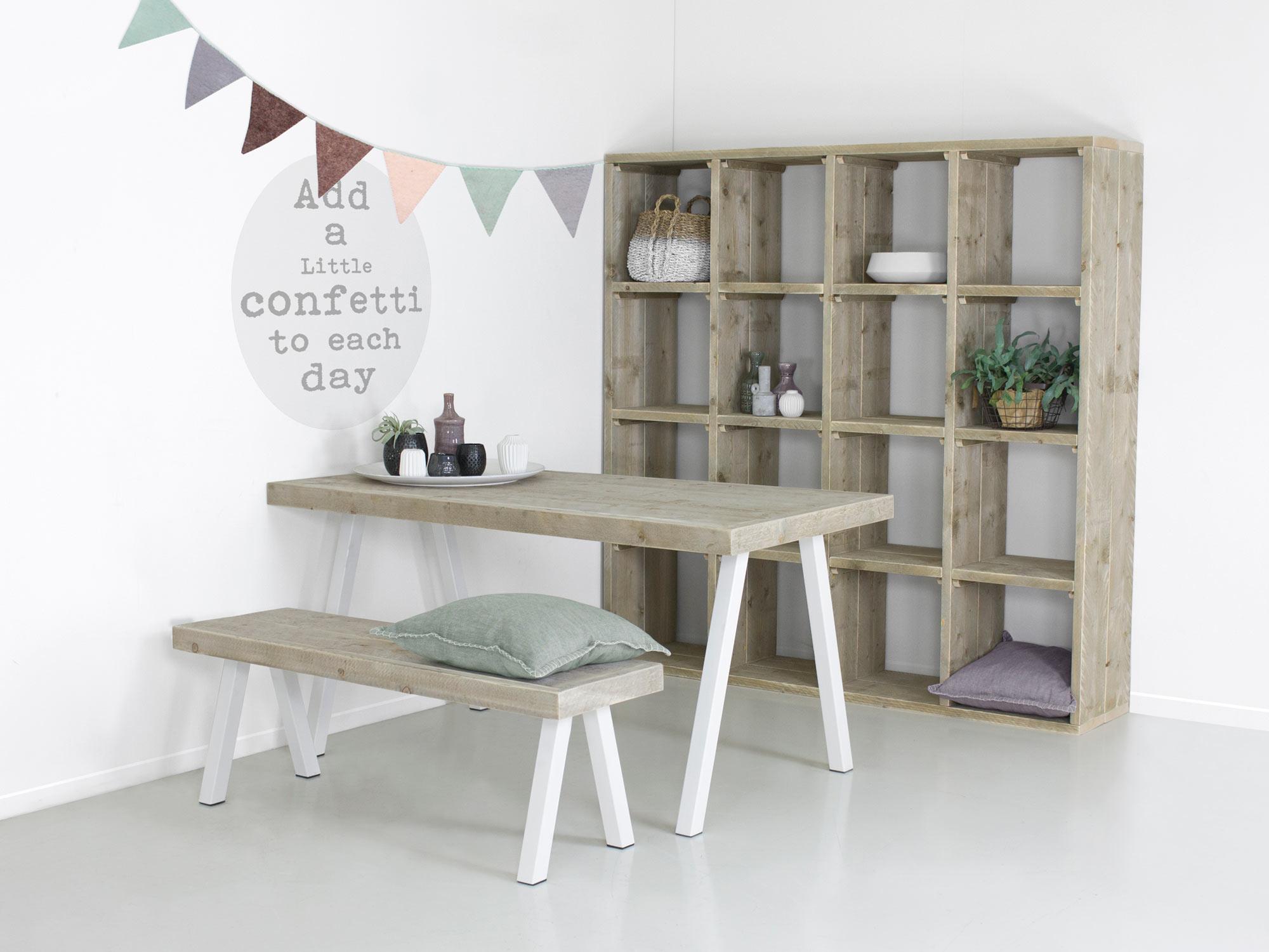 Industri le tafel met witte stalen poten ella f rn meubelen for Stalen onderstel tafel laten maken