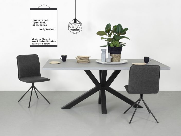 Industriele tafel Stevik met betonnen tafelblad