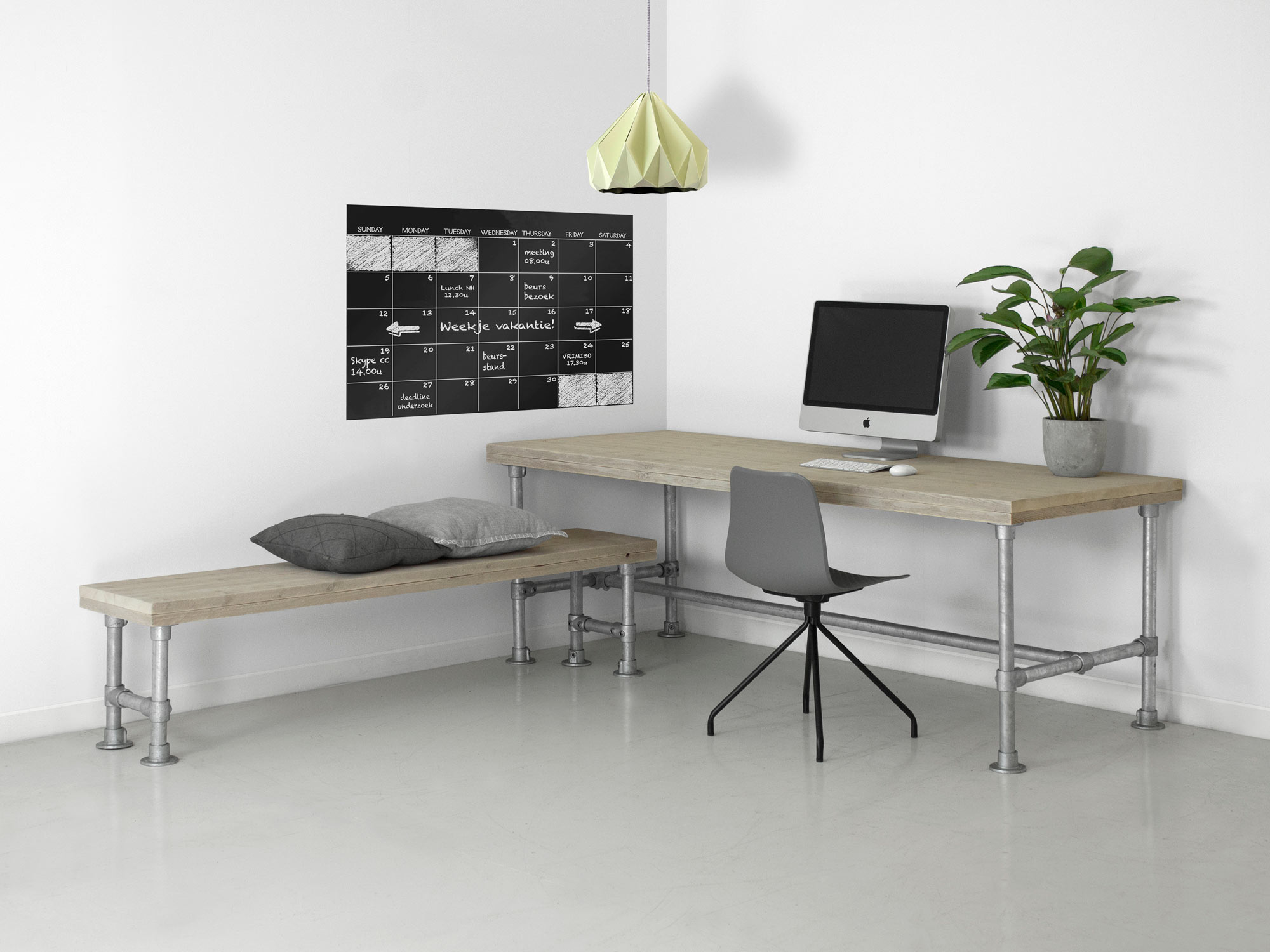 Bureau Van Steigerhout.Bureau Morris Steigerhout