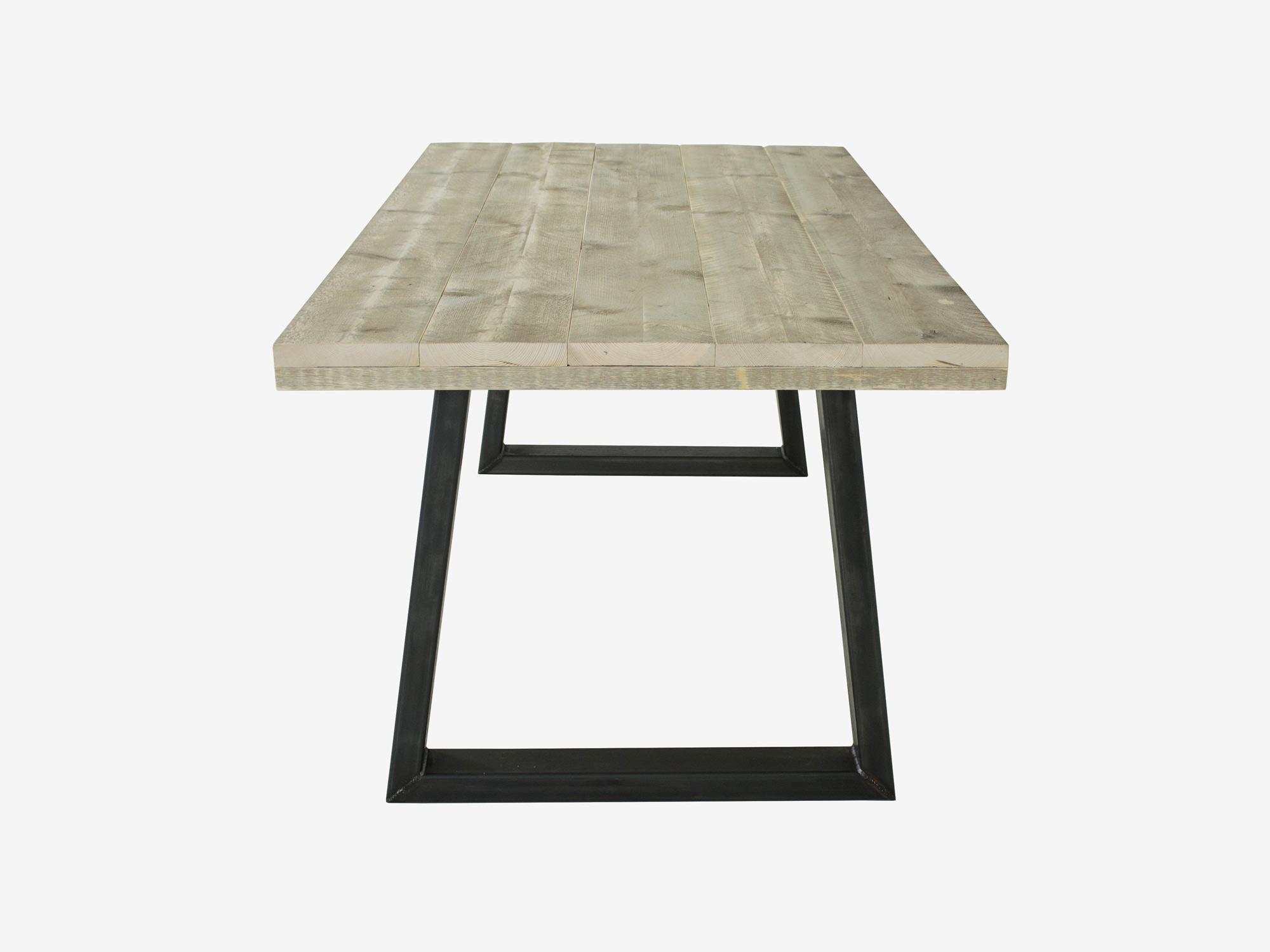 Industri le tafel met stalen trapeze poten by f rn for Stalen onderstel tafel laten maken